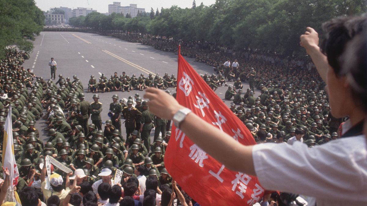 Chinese crackdown on protests leads to Tiananmen Square