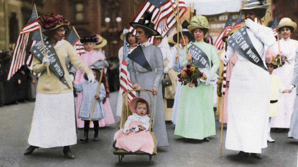 A colorized photograph of suffrage parade in New York City, May 1912.