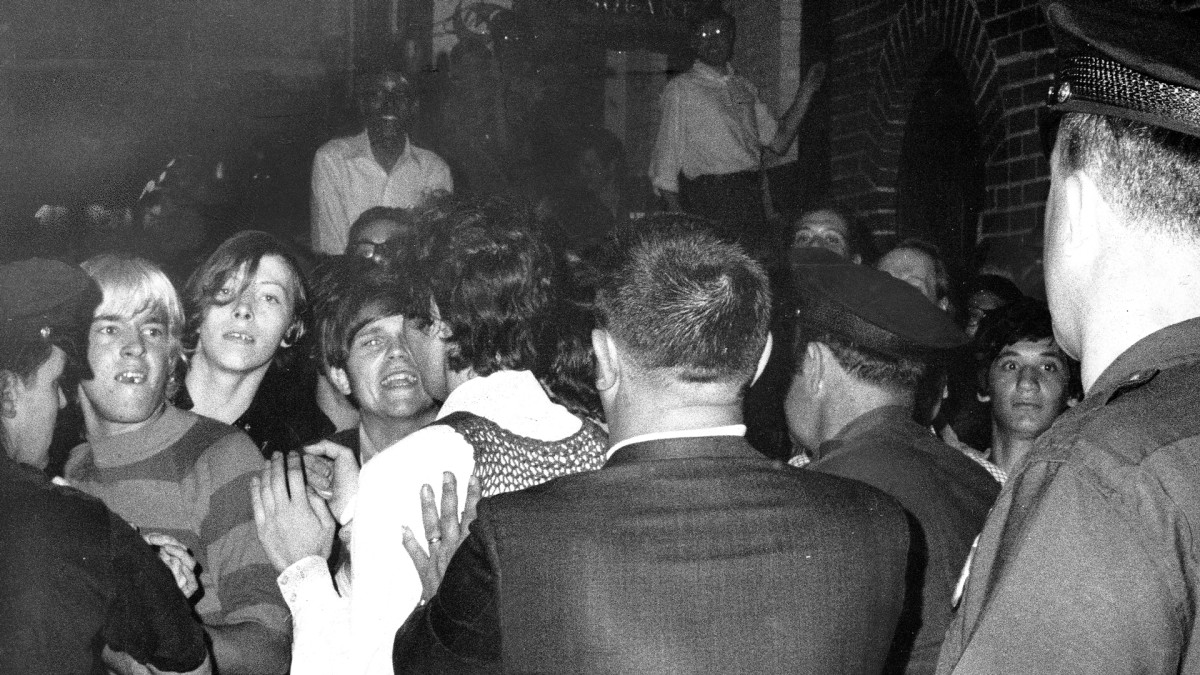 Stonewall Riots Apology: NYPD Commissioner Says 1969 Police Raids Were 'Wrong'