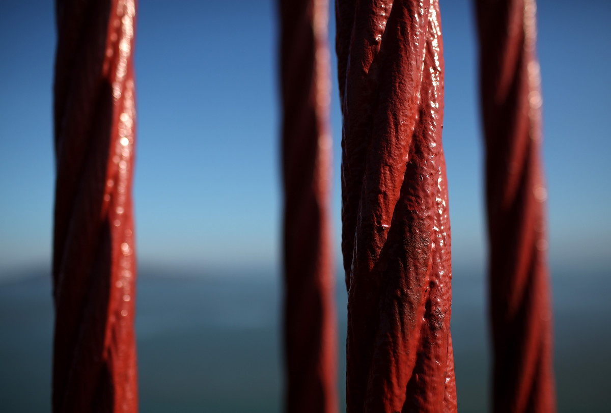 Color of the Golden Gate Bridge