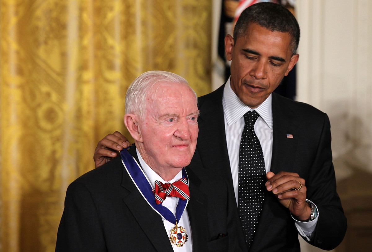 Former U.S. Supreme Court Justice John Paul Stevens is presented with a Presidential Medal of Freedom by President Barack Obama on May 29, 2012.