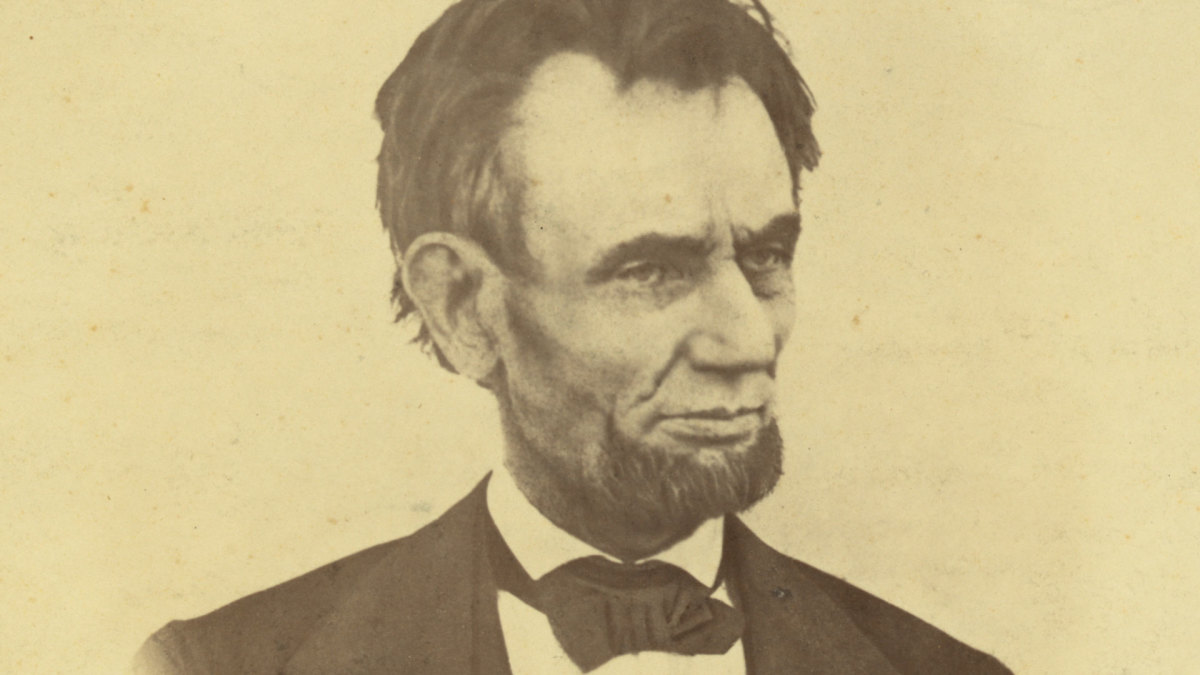 The Lingering Legend of Abraham Lincoln's Ghost