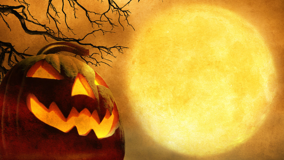 8 Creepy Halloween Tales & Traditions