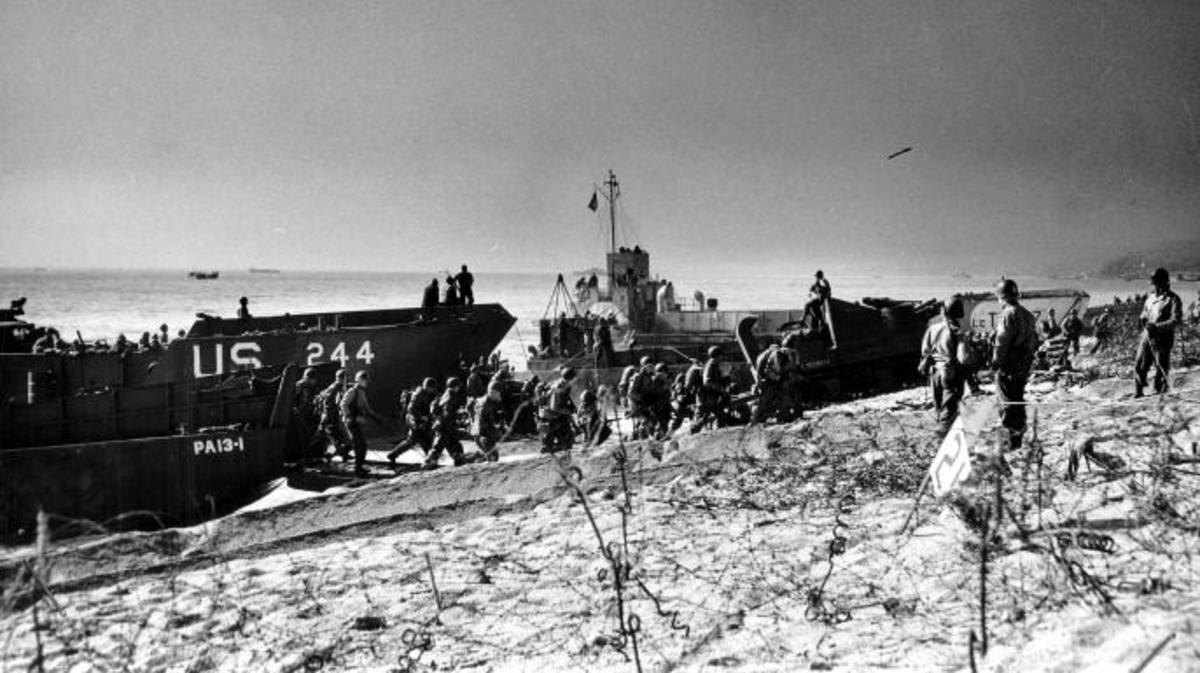 Troops coming ashore Slapton Sands during the exercise. (Credit: NARA)