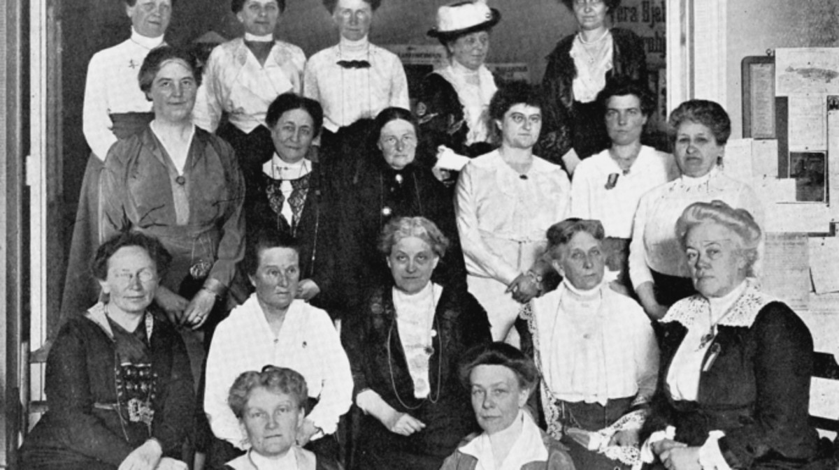 International Woman Suffrage Alliance, 1914. In centre of seated row is Carrie Chapman Catt, American feminist leader. 2nd from left Millicent Garrett Fawcett.