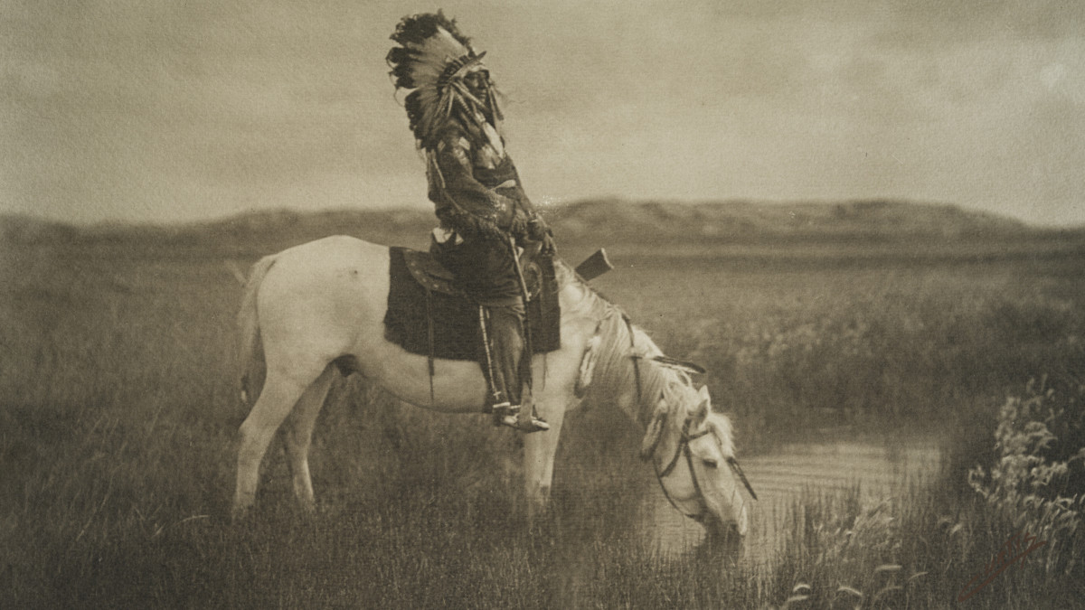 20 Rare Photos of Native American Life at the Turn of the Century