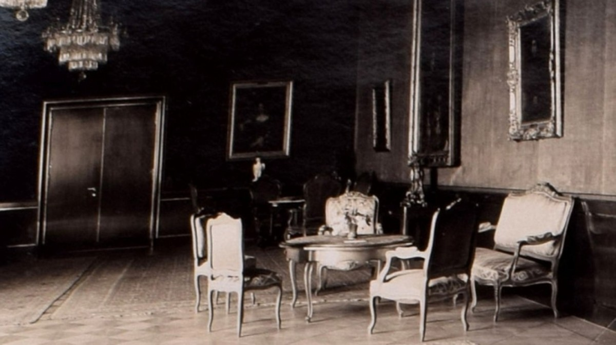 An interior shot of the Reich Chancellery.