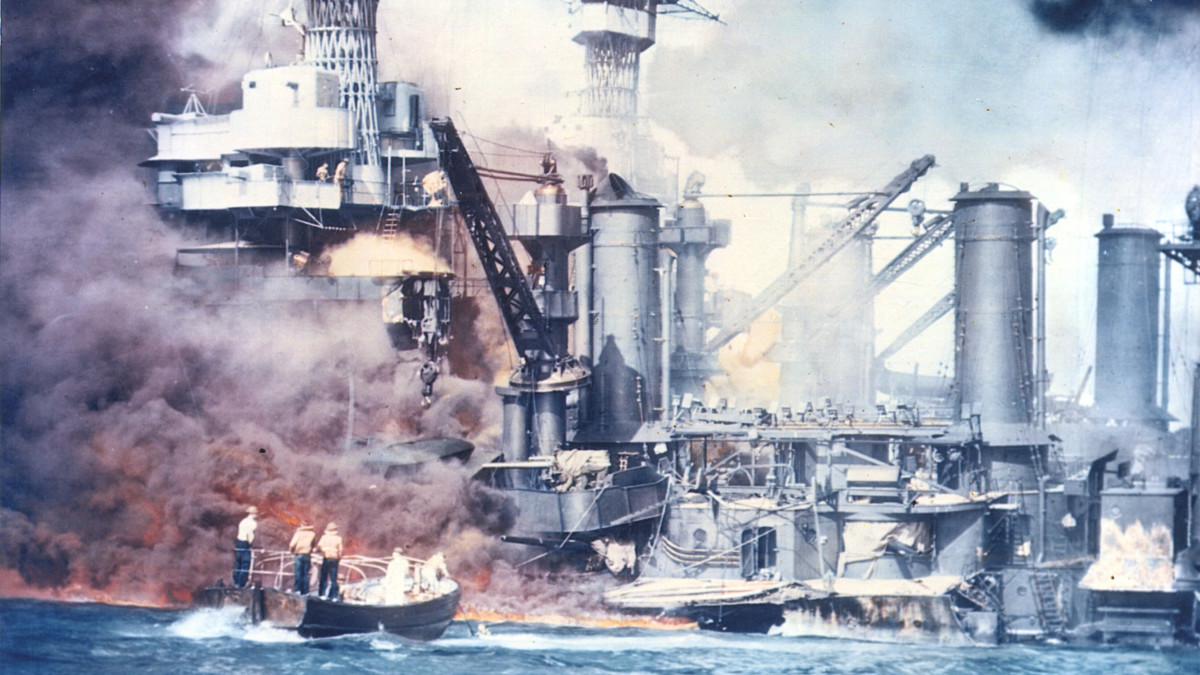 Pearl Harbor Attack: Photos and Facts from December 7, 1941