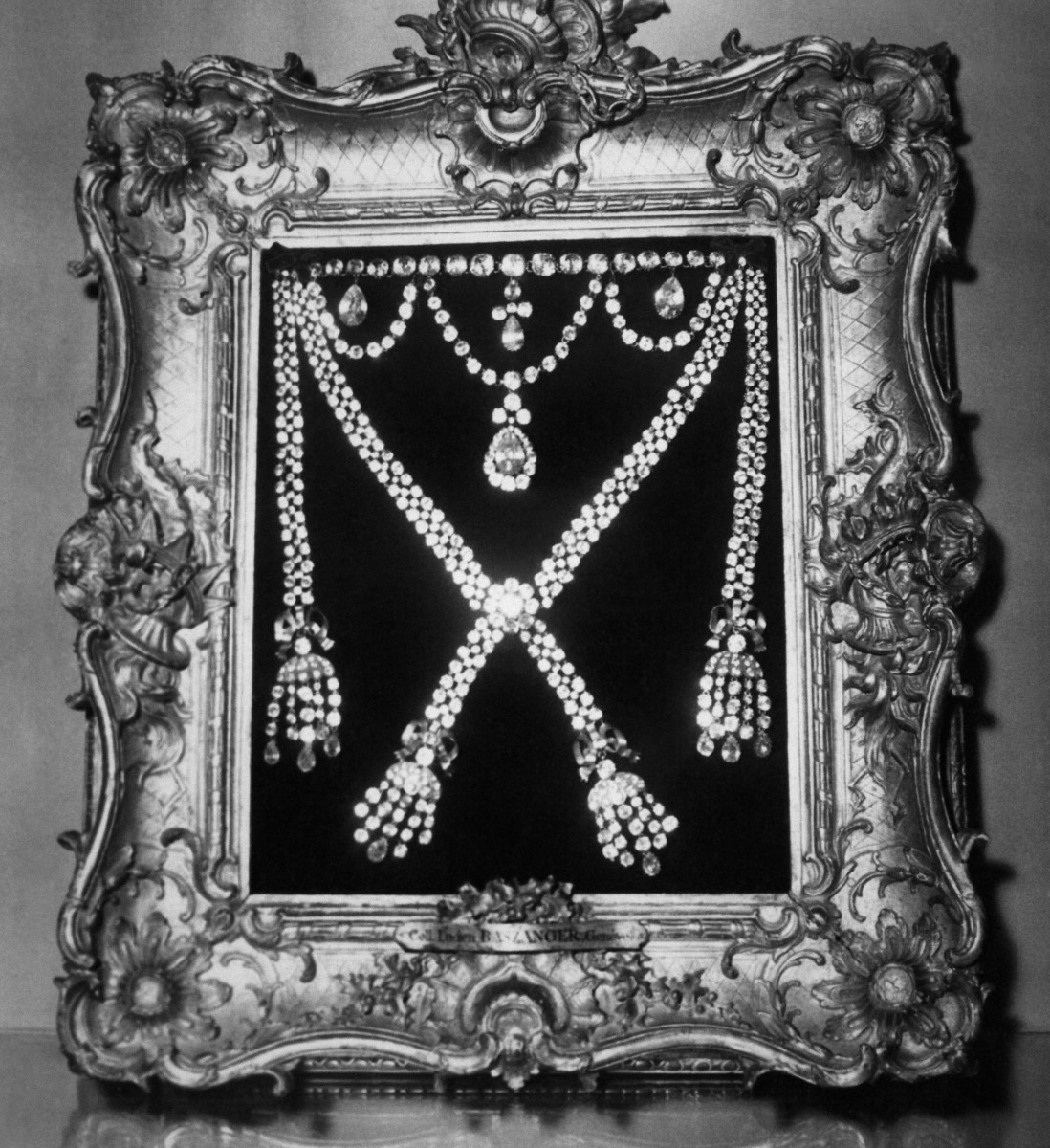 The diamond necklace of the affair, exhibited in Versailles, 1955.