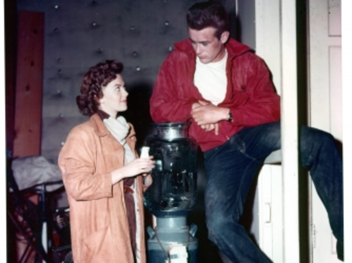 Natalie Wood talks with James Dean on set of the film 'Rebel Without A Cause' in 1955.