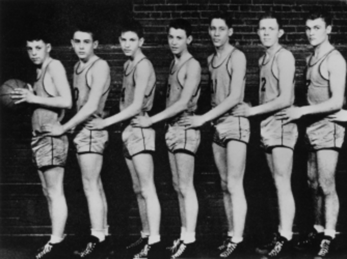 Fairmount High Quakers basketball player James Dean (second from left) poses for a portrait with his teammates in 1947.