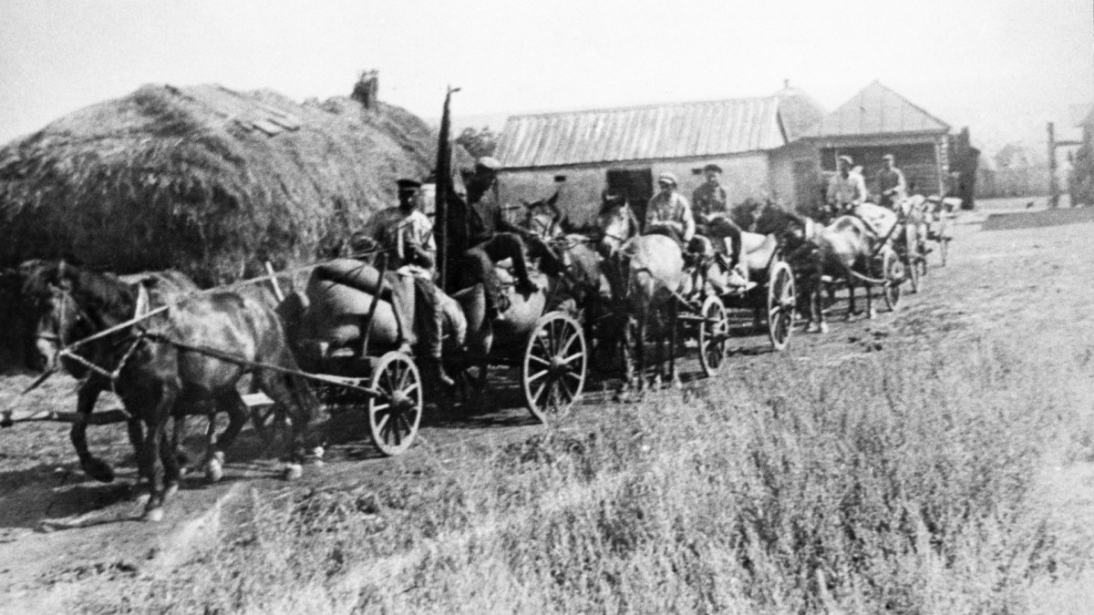 A string of carts with bread confiscated from peasants, circa 1932.