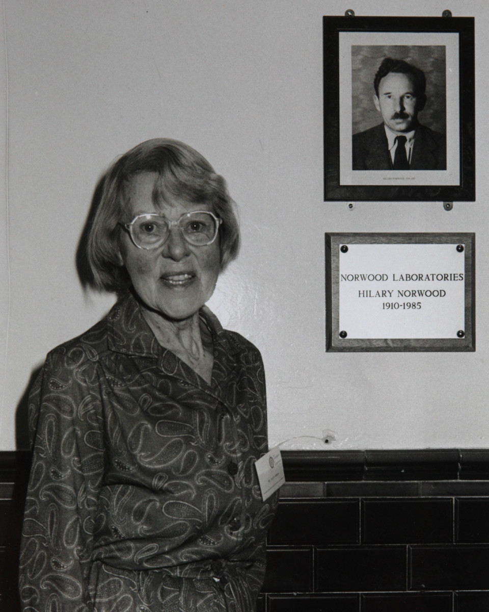 Image of spy Me​lita Norwood opening Norwood L​abs at Greenwich University in​ 1993.