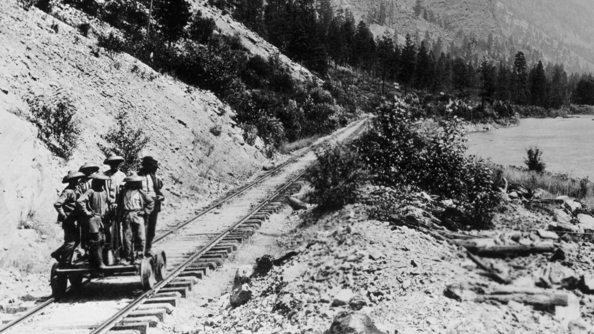 www.history.com: Building the Transcontinental Railroad: How Some 20,000 Chinese Immigrants Made It Happen