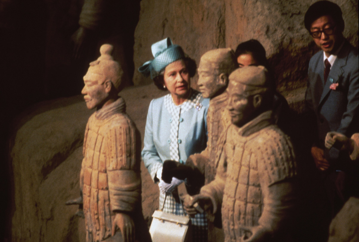 Queen Elizabeth visits China, 1986