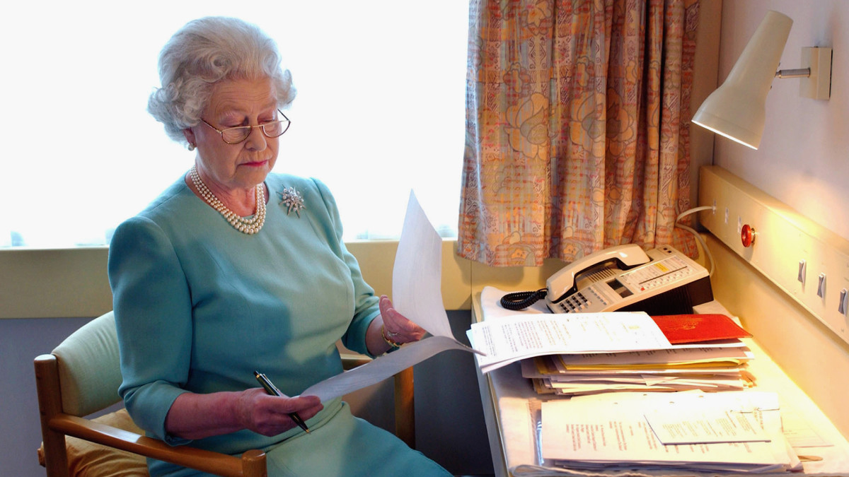 What is the Queen's Role in British Government? Queen Elizabeth II