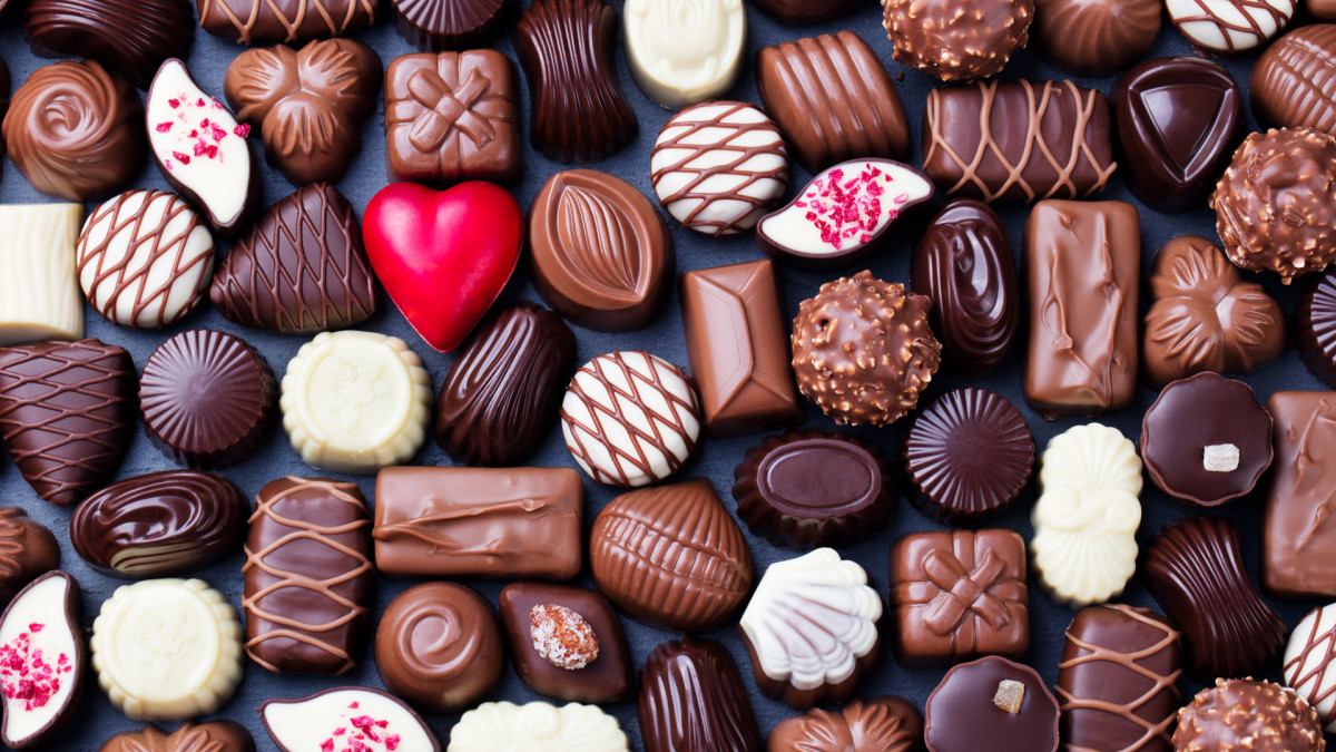 valentines day chocolate gettyimages 923430892.