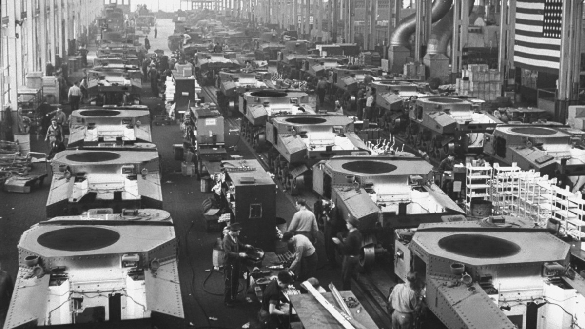 A new assembly line at Detroit Tank Arsenal operated by Chrysler which turned out 28-ton tanks by mass-production methods.