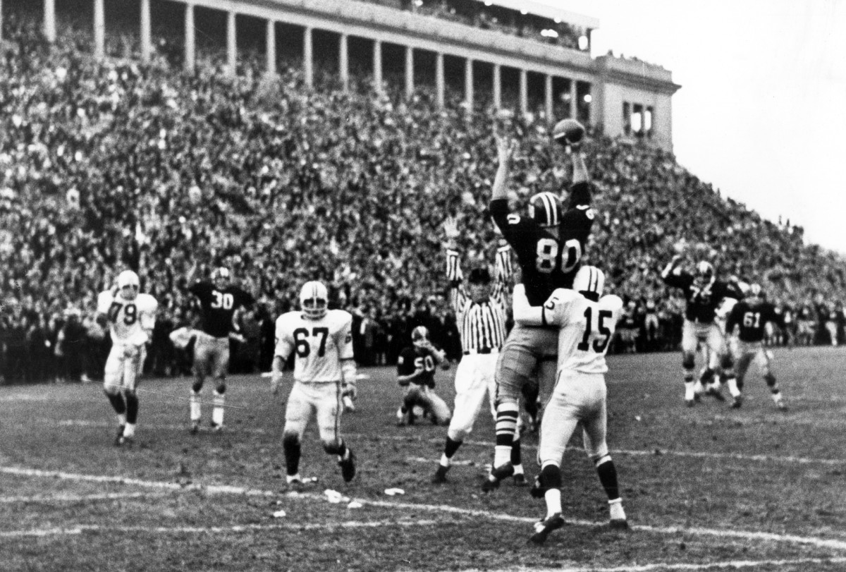 In their 1968 rivalry game against Yale, Harvard scored 16 points in the final 42 seconds of the 29-29 tie.