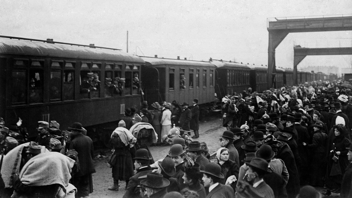A train packed with soldiers leaves a railway station during the Bosnian annexation crisis in 1908.