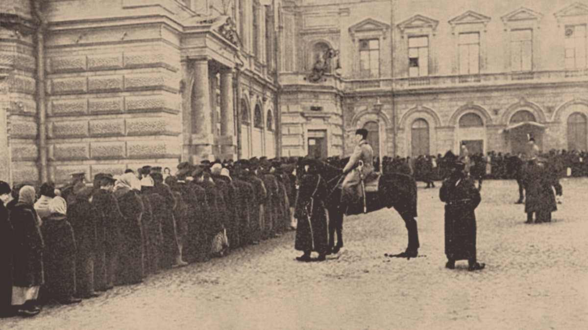 A Russian bread line guarded by the Imperial Police, March 1917.
