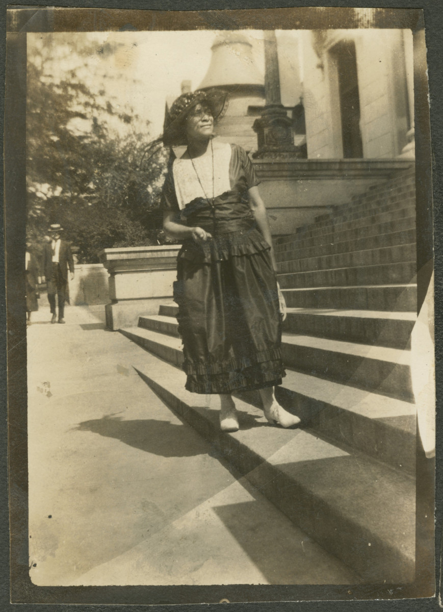 Black-and-white photograph of a woman in Tulsa, Oklahoma, c. 1920s