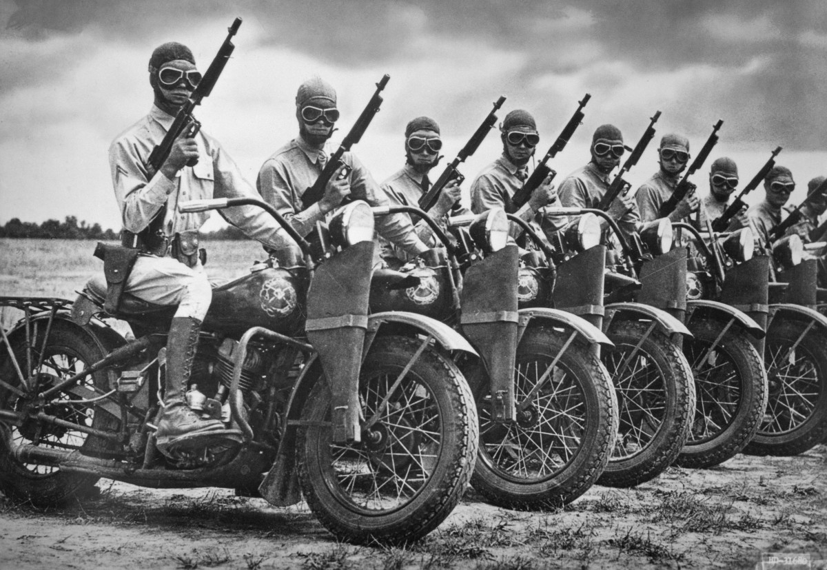 The Harley-Davidson Motor Co. built more than 90,000 motorcycles during World War II for the U.S. armed forces. A row of Army Armored Division contingency of mounted soldiers made an impressive sight.