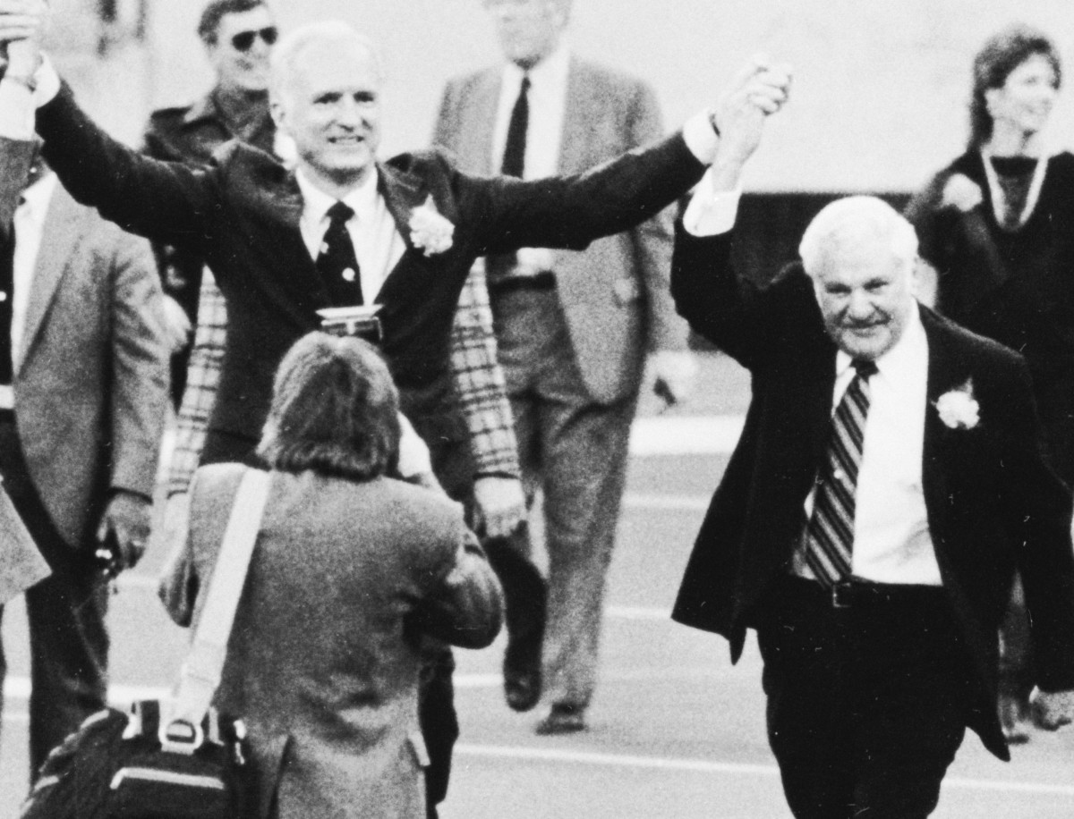 On April 2, 1984, Indianapolis Mayor William Hudnut (left) officially welcomed Colts owner Robert Irsay to the city.