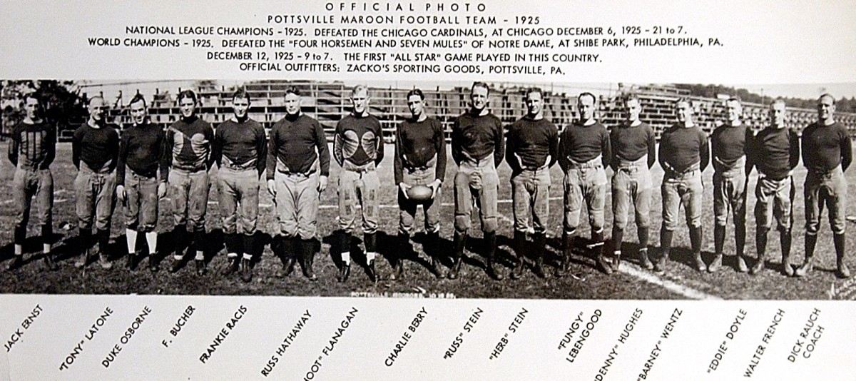 A 1925 team photo of the Pottsville Maroons.