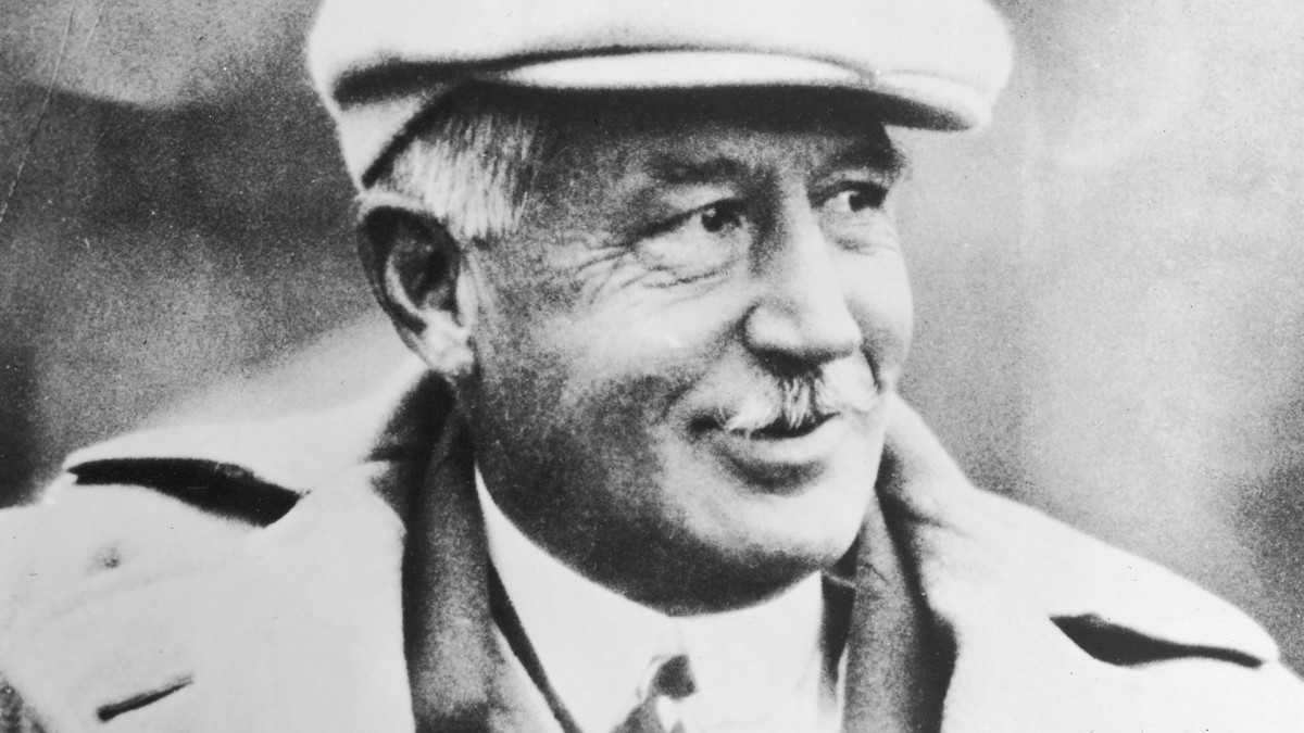 """Walter Camp, """"The Father of American Football,"""" won three national titles at Yale."""