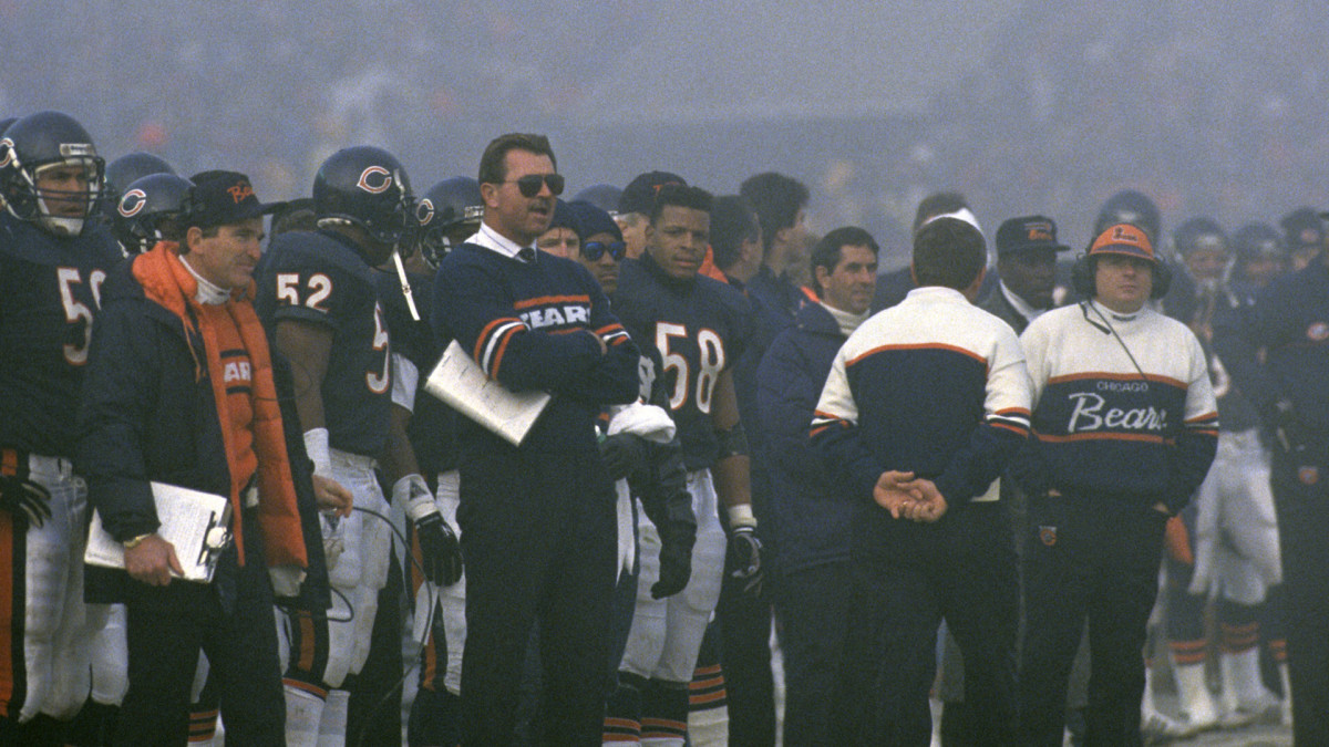 Despite the fog, Chicago head coach Mike Ditka wore sunglasses during the Bears' 20-12 win at Soldier Field.