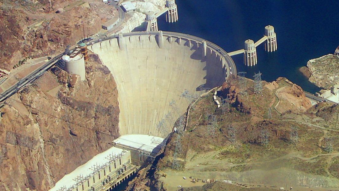 History_Kaiser_Builds_Hoover_Dam_and_War