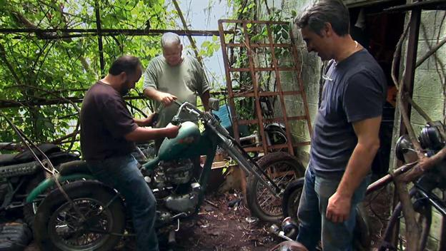 American Pickers: Escape to Motor Mountain