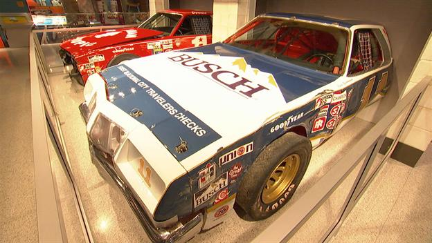 American Pickers: NASCAR Challenge
